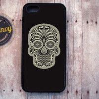Black and Cream Sugar Skull iPhone 5 black case