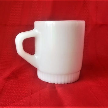 Vintage Anchor Hocking Fire King Stackable Mug White Oven Ware