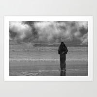 Kissing in the rain Art Print by  Alexia Miles Photography
