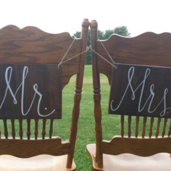 Mr. and Mrs. Wedding Chair Signs, Rustic Wedding Decor, Ceremony Decor, Reception Decor, Bride and Groom, Wedding Photo Props, Country Decor