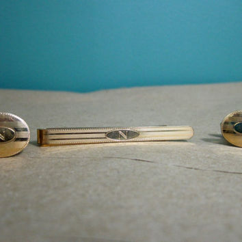 Gold Monogramed Letter N Cuff Links and Tie Bar