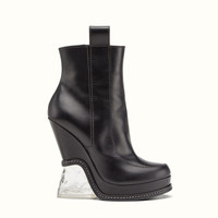 FENDI | FASHION SHOW BOOTS in black leather with sculpted heel
