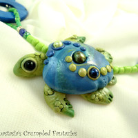Green blue polymer clay seaturtle necklace, Sea turtle mermaid jewelry, Underwater pendant, Natural freshwater pearl,  agate stone beads