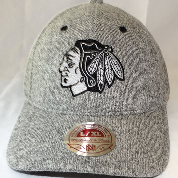 Chicago Blackhawks Mitchell & Ness Fall 2016 Fitted Cap Size L/XL