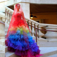 Creative Gothic Colorful Bridal Dresses Rainbow Mermaid Fashion Wedding Dress Pleat With Red Veil Sweetheart Court Train