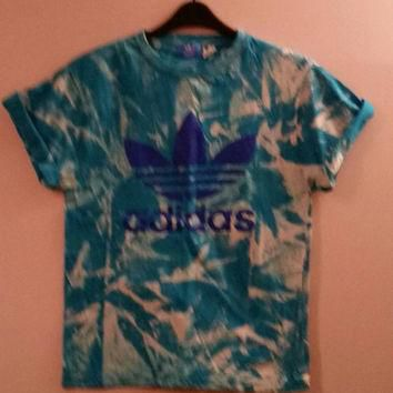 unisex customised maroon adidas acid wash tie dye t shirt sz med