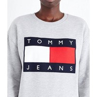 MDIGCY2 Tommy Jeans For UO 90s Pullover Sweatshirt - Urban Outfitters