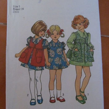 SALE 1972 Vintage Simplicity Sewing Pattern, 5277!  Size 5, Toddlers, Girls, Dress, Smock.