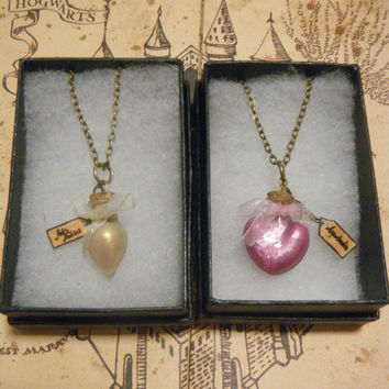 Harry Potter Limited Edition Felix Felicis/Amortentia Potion Necklaces