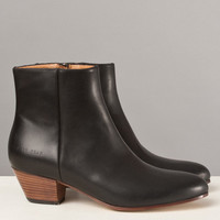 Frances May - Common Projects Zip Ankle Boots Black