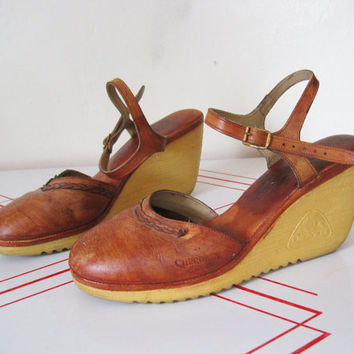 Vintage Platform Shoes Size 9 10 / Brown Leather