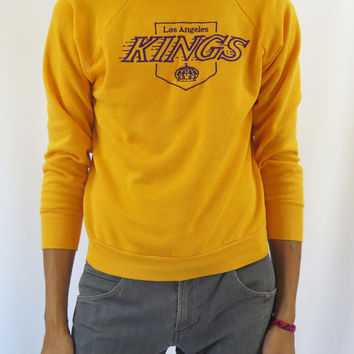 "Rare 80s Vintage Mens Unisex Gold ""LA Kings"" Hockey Crewneck Sweatshirt / Size (M/L)"
