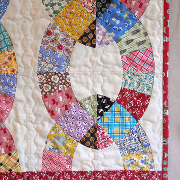 Handmade Twin Size Quilt  - Chain Link Pattern - Vintage Look