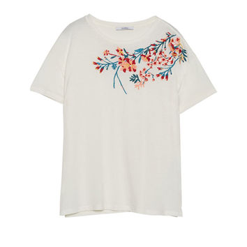 T-shirt with floral embroidered neckline - T-shirts - Clothing - Woman - PULL&BEAR United Kingdom