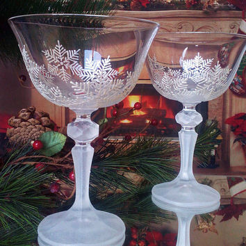Set of 2 Crystal Winter Wedding toasting hand painted champagne flutes White snowflakes