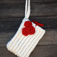 Vegan Crocheted Tablet Sleeve in Creamy White With Red Roses - Cozy - Case -  Nook, Kindle, Galaxy - Back to School - Free Shipping