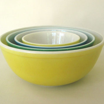 Primary Color Pyrex Mixing Bowl(s) Large bowl is unmarked, As-is, see description