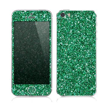 The Green Glitter Print Skin for the Apple iPhone 5s