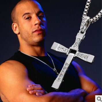 ESBONHS N171 2017 The Fast And The Furious Dominic Toretto Vin New Movie Jewelry Classic Rhinestone Pendant Sliver Cross Necklaces Men