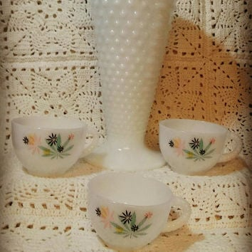 Vintage Milk Glass Federal Glass CO / Vintage Milk Glass tea cup Set Spring Pastels / Patio Party Set