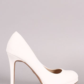 Anne Michelle Classic Almond Toe Pump