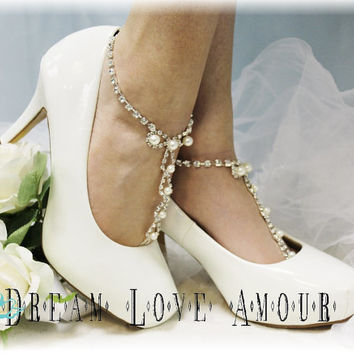 Pearl Chic Barefoot sandals- beach wedding bridal foot jewelry-rhinestone barefoot sandal-pearl wedding shoes-french footless sandles- (s2)