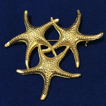 Triple Starfish Brooch Pin Textured Gold Tone Beach Vacation Jewelry Figural Ocean Animal 518