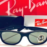 Ray-Ban Wayfarer RB2132 622-Sunglasses Matte Black Rubber, Green Classic New