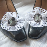 Cotton lace shoe clips with retro black and white ad resin detail