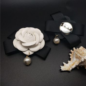 IN Stock Female All Match Charm Camellia Flower Brooch Quality Leather Black&White&Rose&Mix Cloth Bow Pearl Women Diy Brooches