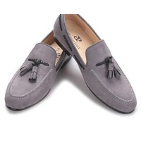 Handmade men velvet shoes with new design of tassel style men casual shoes Party and Prom men's loafers