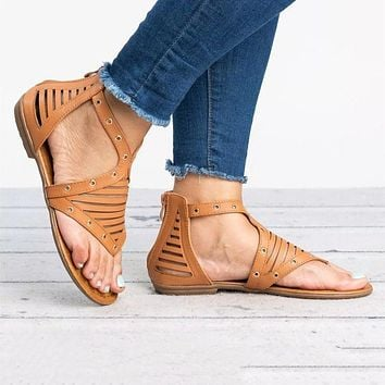 New women's flat, plus-size Roman sandals are hot sellers