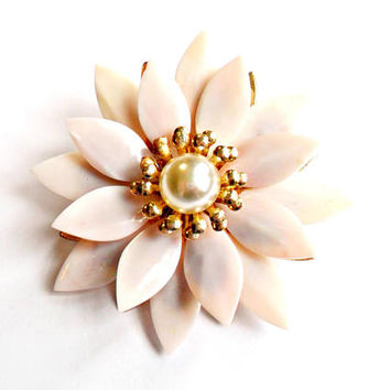 Blush Pink Flower Brooch Vintage Glass Petals Faux Pearl Gold Tone Wedding Bride Bridal Dress Sash Broach Pin