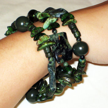 Green, Black, and Brown Seeded and Glass Beaded Bangle Bracelet - Memory Wire