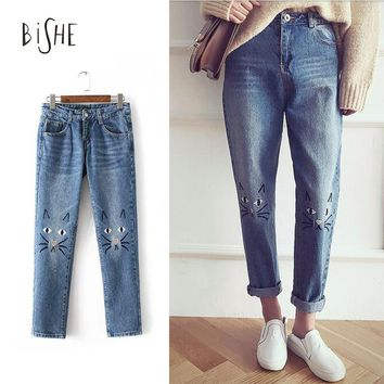 New Arrival Spring Women Cat Lovely Embroidered Jeans Washed Denim Pants Bleached Pantalon Zipper Trousers Female
