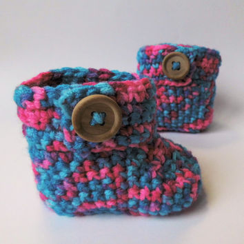 Baby retro boots, hand-crochet baby booties .Great for baby shower, new born gift, pregnancy announcement.........