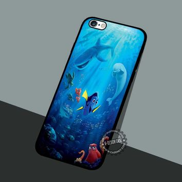 Dory And Friend - iPhone 7 6 5 SE Cases & Covers #cartoon #animated #FindingNemo
