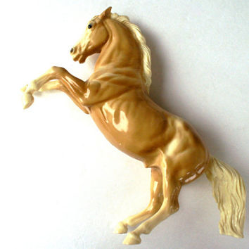 Breyer Horse Fighting Stallion Figurine King Glossy Palomino