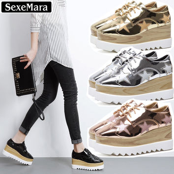 2017 New Fashion Casual Brand Spring Flat Platform Women Shoes Lace Up Patent Leather Star Flats Ladies Gold Derby Brogue Shoes