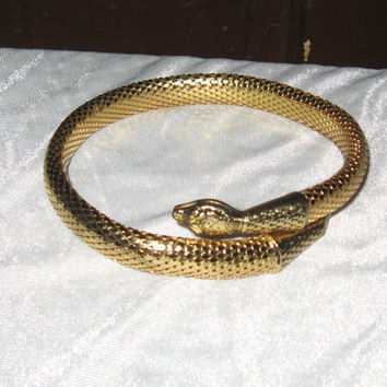 WHITING & DAVIS Signed  vintage  gold Mesh  Snake  coil  choker   NECKLACE