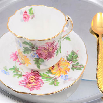 Hammersley Autumn Glory, Teacup and Saucer, White Bone China with Chrysanthemums, Made in England