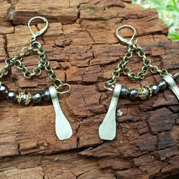 Elegant Boho Earrings. Neo Victorian Metal Beaded Earrings. Gothic Romantic Earrings. Handmade Jewelry. Paulette Earrings