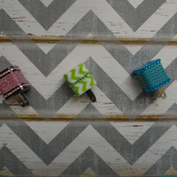New Super Cute Jeweled Chevron Design Wall iphone 5/5s Charger + 10ft Flat Tangle Free Cable cord