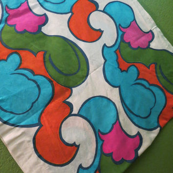 Vintage Fabric, 1960's Fabric, Mod,Psychedelic,Paisley, Bold, Large Print Fabric, Quilt Fabric, Decorator Fabric,