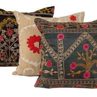 VINTAGE SUZANI PILLOW MEDIUM  | pillows  | accessories  | Jayson Home
