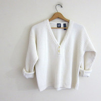 Vintage cropped sweater. white cotton sweater. button front vneck Henley sweater.