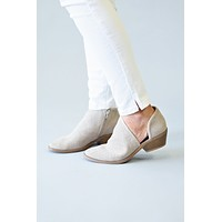Reverse Booties : Taupe