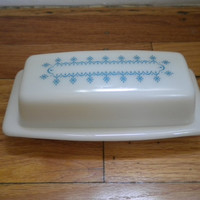 Vintage Pyrex Butter Dish by PickledFurniture on Etsy