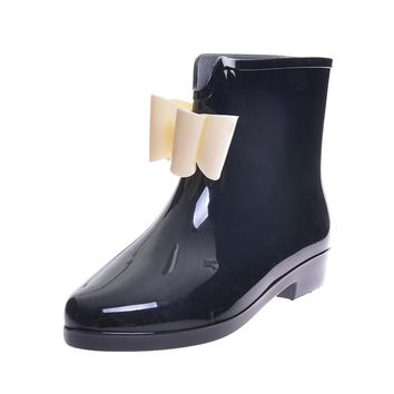 All Bowed Out Rain Boots