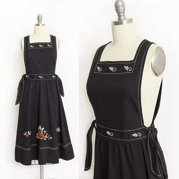 Vintage 1970s Pinafore Dress - Black Cotton Embroidered Jumper Apron Front Cotton Full Skirt 70s - Small S